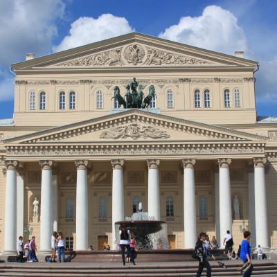 La visite à pied + le Théâtre du Bolchoï (4h)